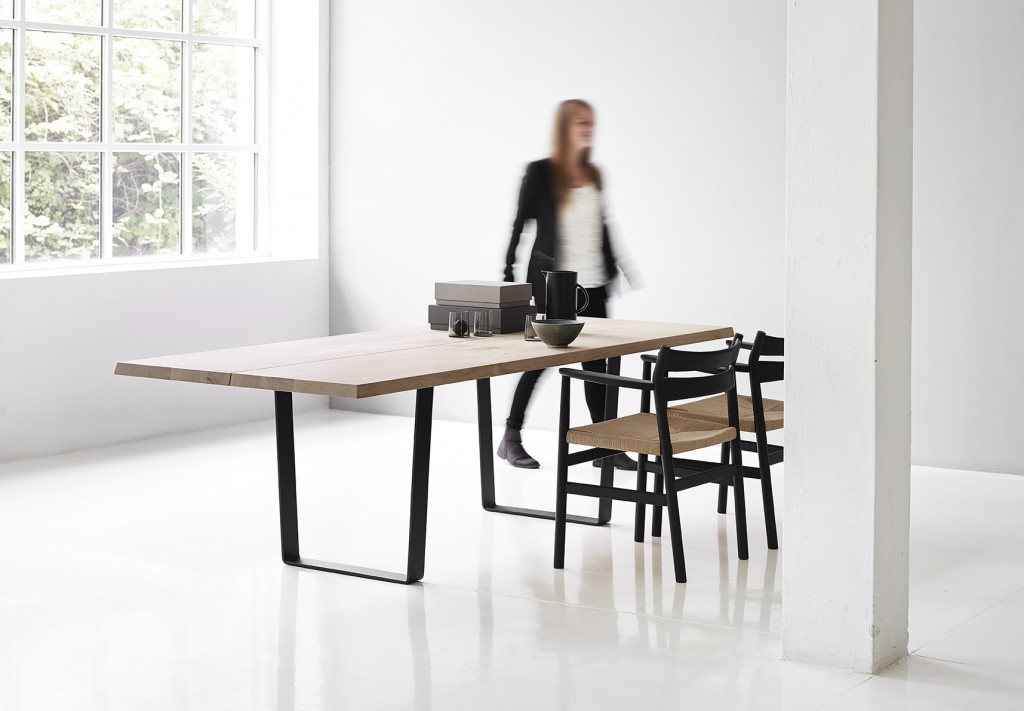 dk3_Lowlight Table with BM2 Chair_oak oil_black legs_styled_2