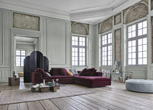 Wohnzimmer mit Eilersen Sofa und Hocker