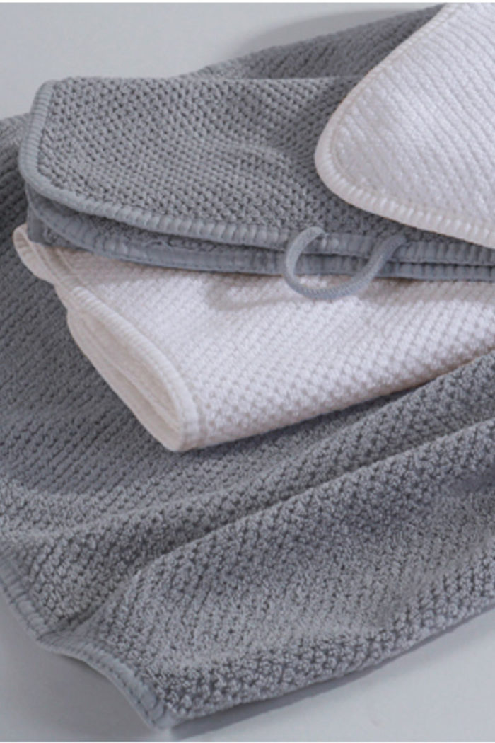 Handtücher und Badvorleger: Badetuch aus gekämmter Baumwolle