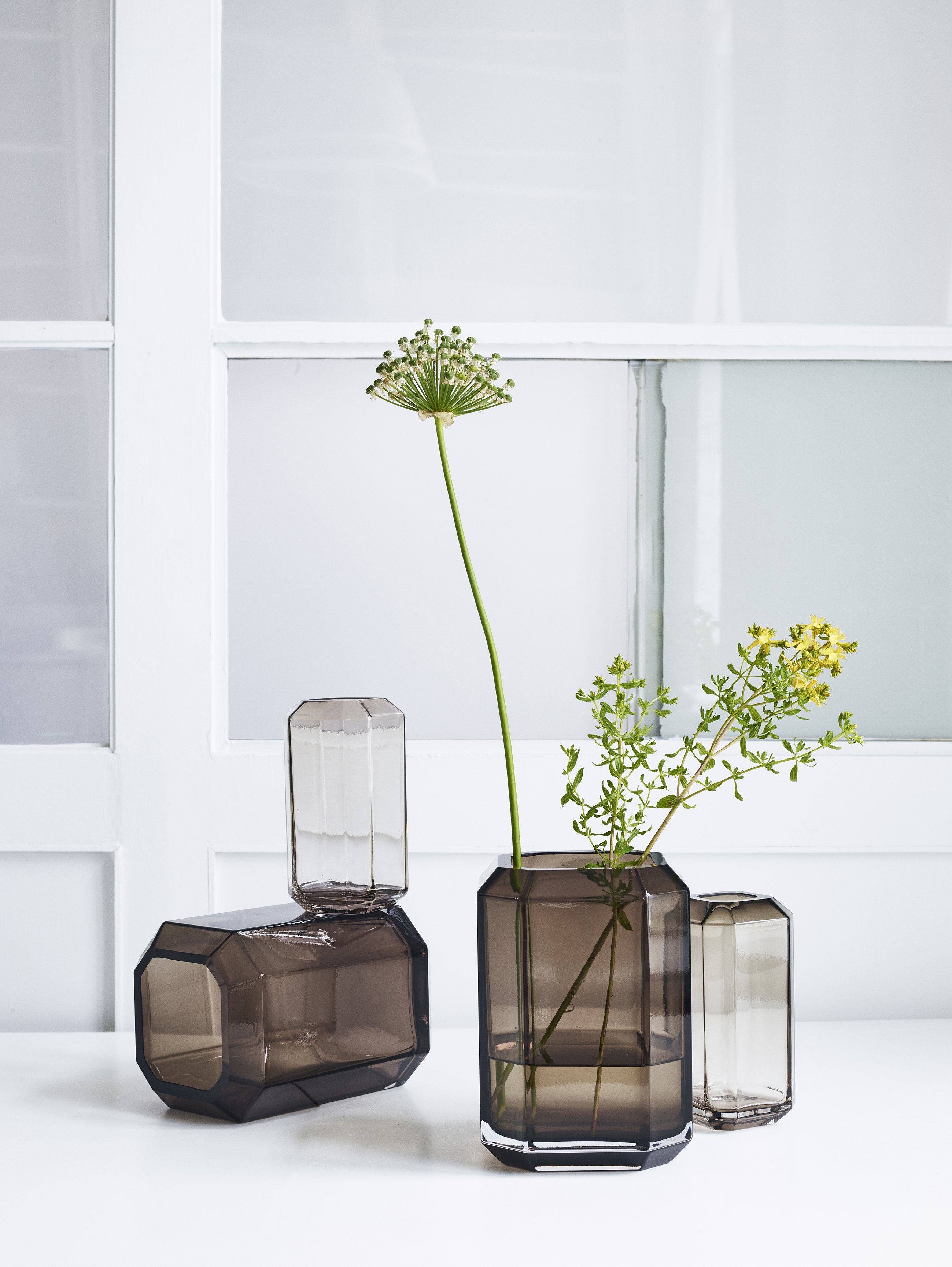 Jewel Vase von Louise Roe
