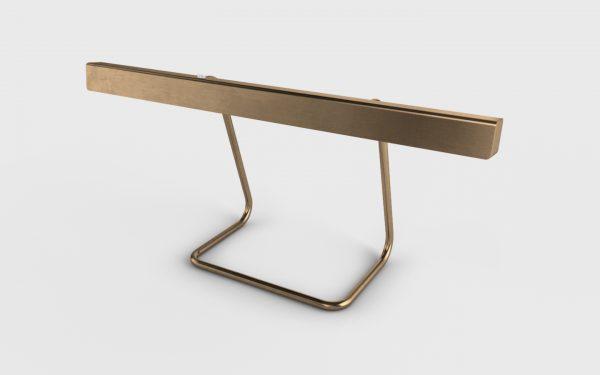 T-Modell Tischleuchte Messing brüniert von Anour