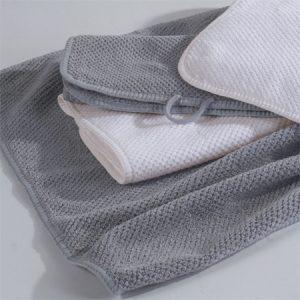 Duschtuch im 2er Set aus gekämmter Baumwolle