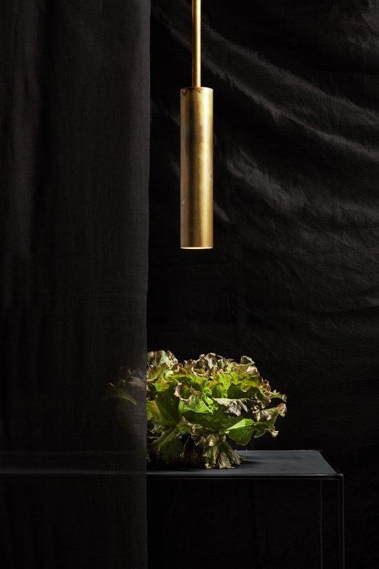 Stav 1a XL Pendelleuchte brass von Kons