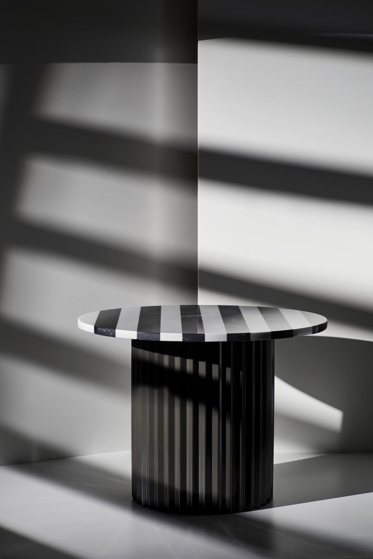 Couchtisch Column XL Black & White von Lisette Rützou