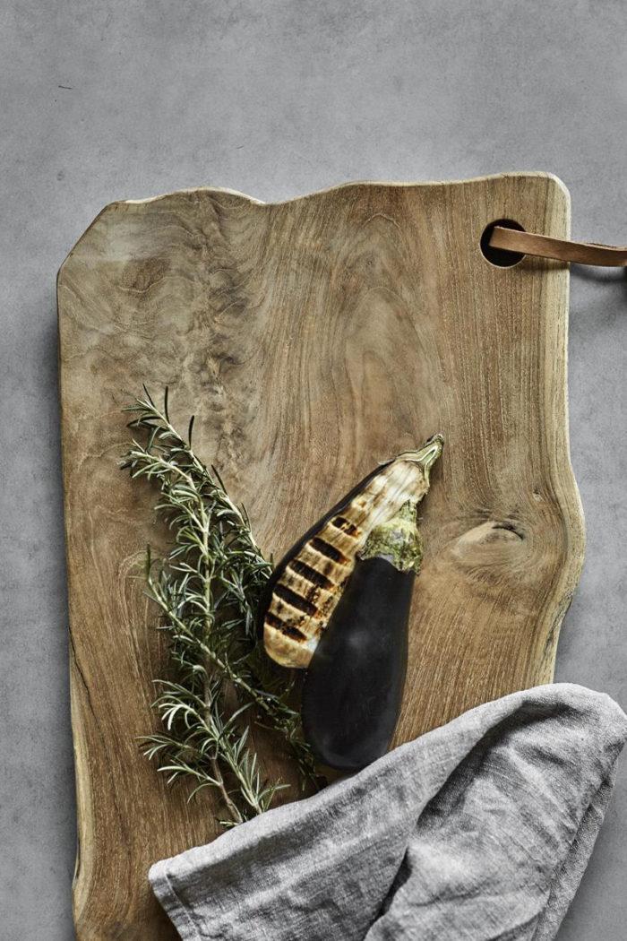 Schneidebrett – extra lang - Lyon 70 cm aus Teakholz von muubs