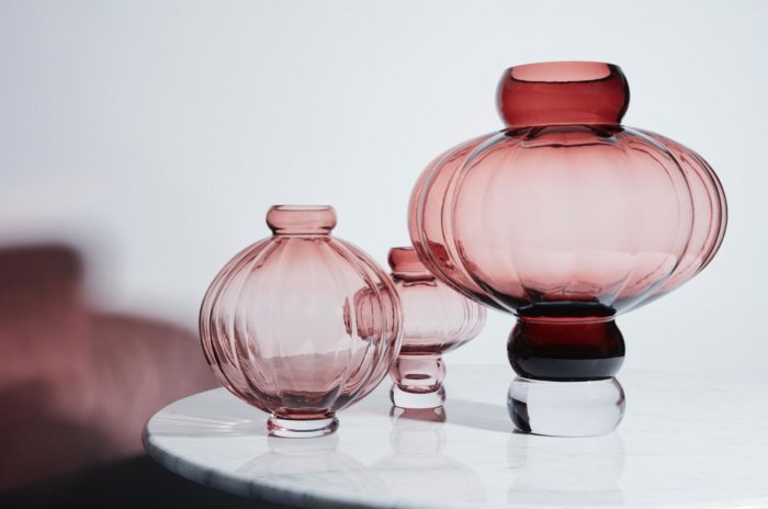 runde Ballon Vase Louise Roe burgund