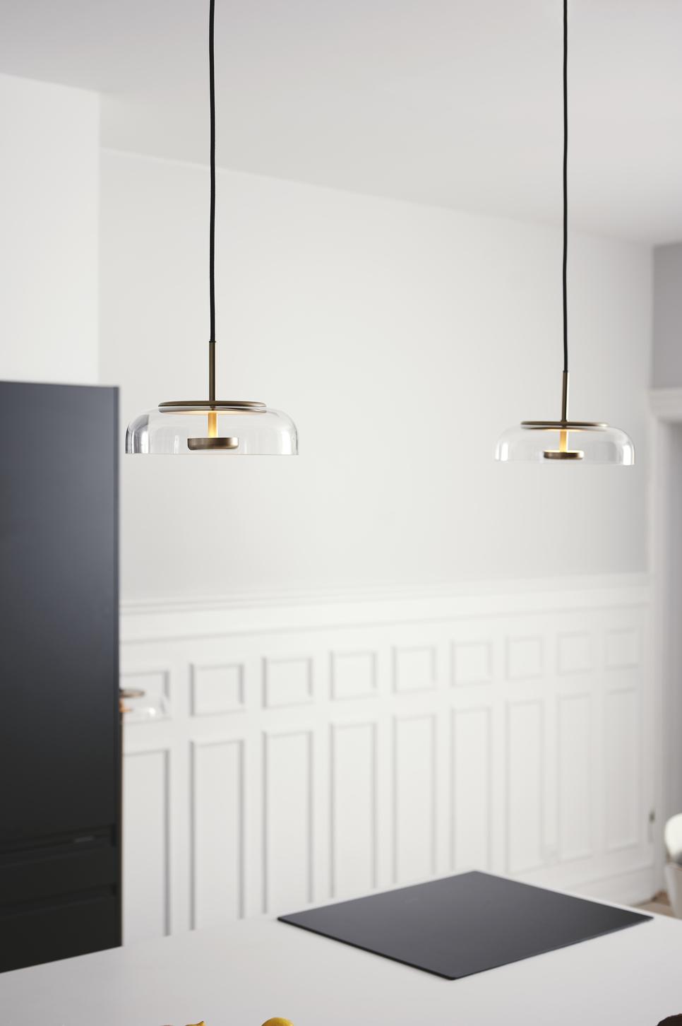 Blossi Pendelleuchte mit LED nuura