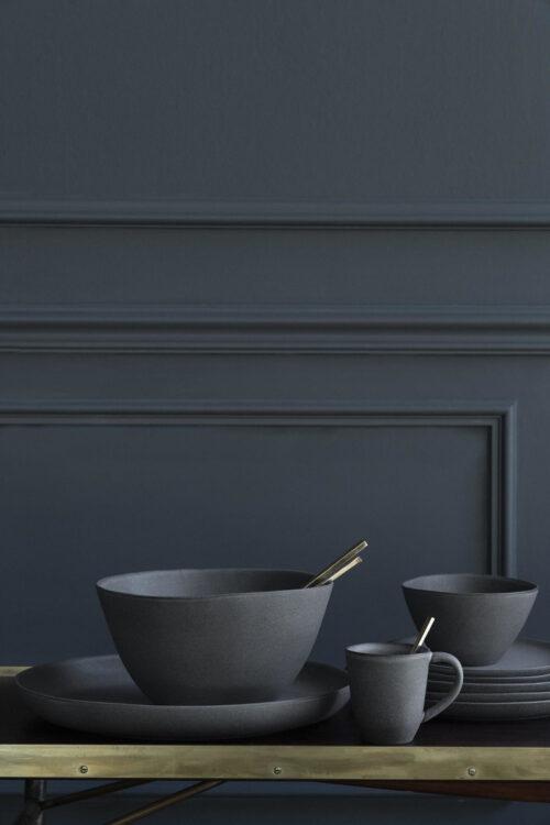 Geschirr: zeitlose Müslis Schüsseln aus Steingut in grau von Klassik Studio Copenhagen