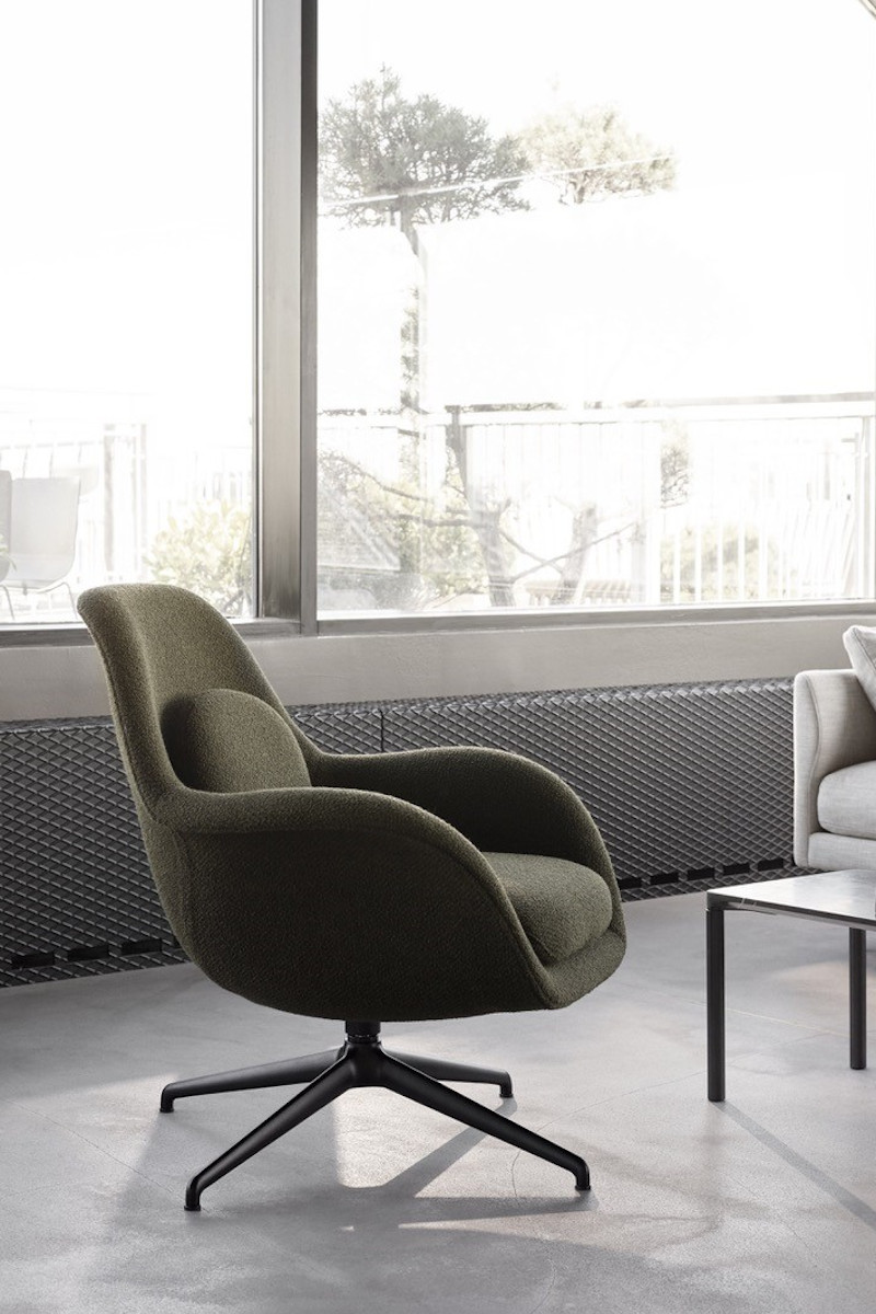 Swoon Lounge Petit Swivel Base von Fredericia Furniture