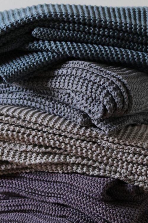Tagesdecken und Plaids – Tagesdecke Naomi aus Leinen und Baumwolle in vier Farben