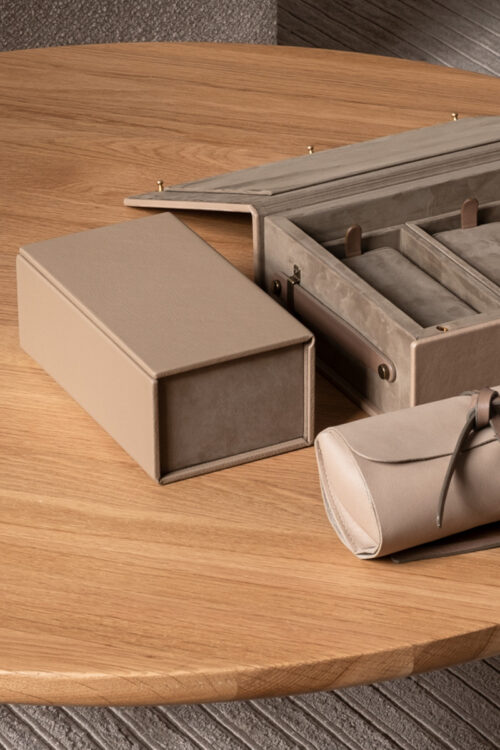 Lederwaren - Zeitlose Uhren Box von August Sandgren